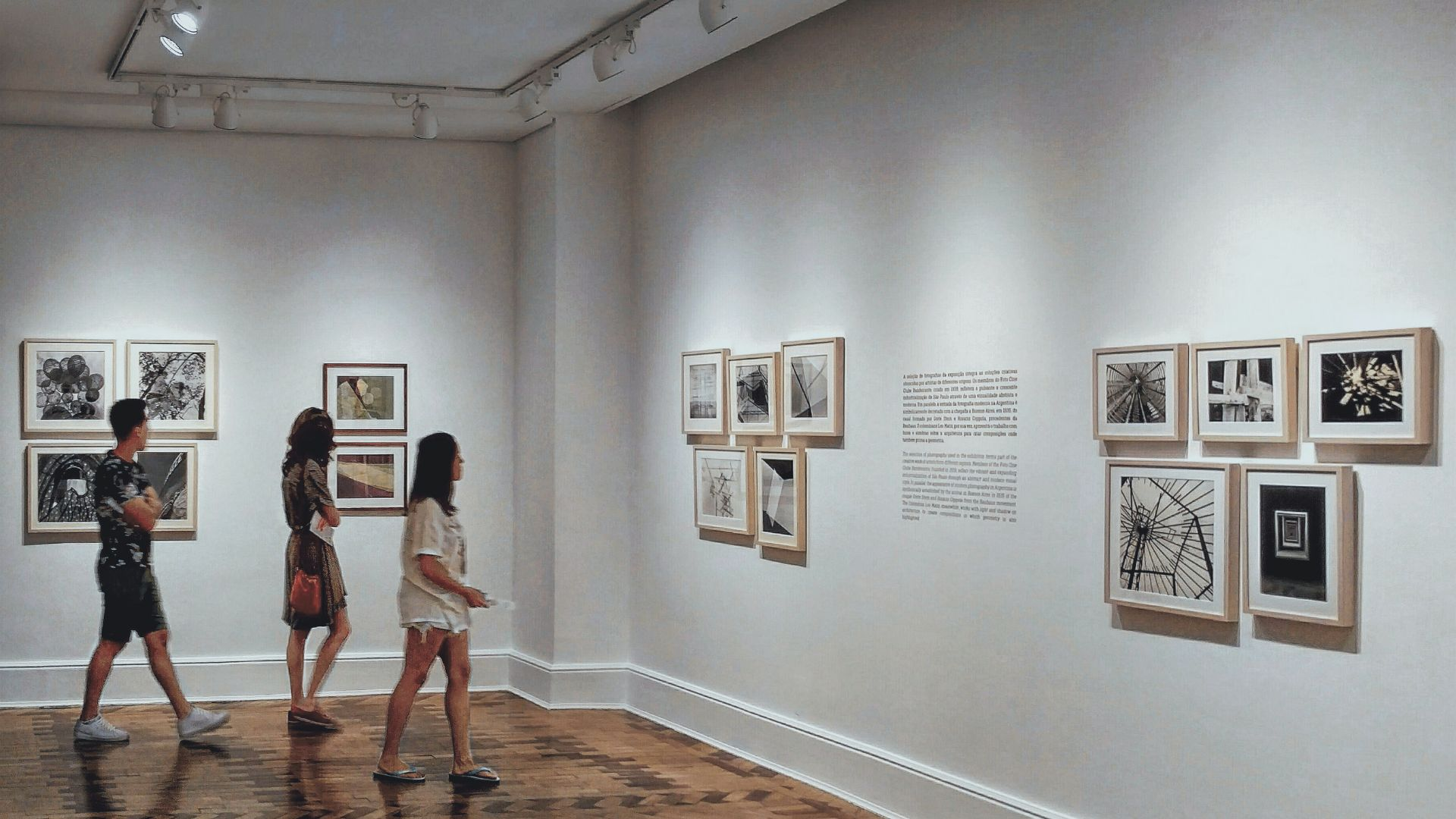 Study on the accessibility of museums to visually impaired people